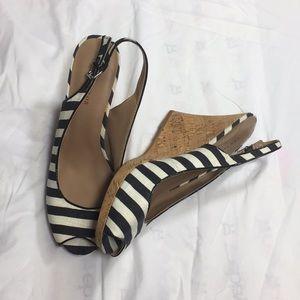 Ann Taylor Blue & White peep toe wedge Sandals 9